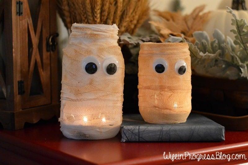 Easy Halloween Mason Jar Luminary