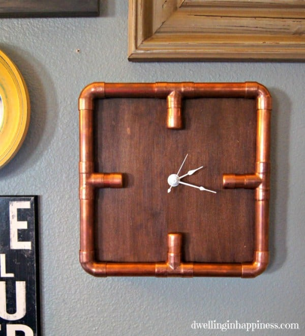 This industrial style copper pipe clock is the perfect DIY father's day gift for Dad to add to his man cave