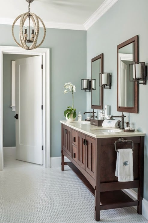 Benmjamin Moore Gray Wisp Bathroom