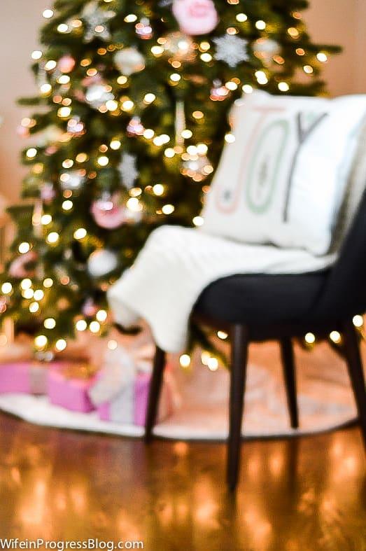 pink-christmas-tree-decor-3