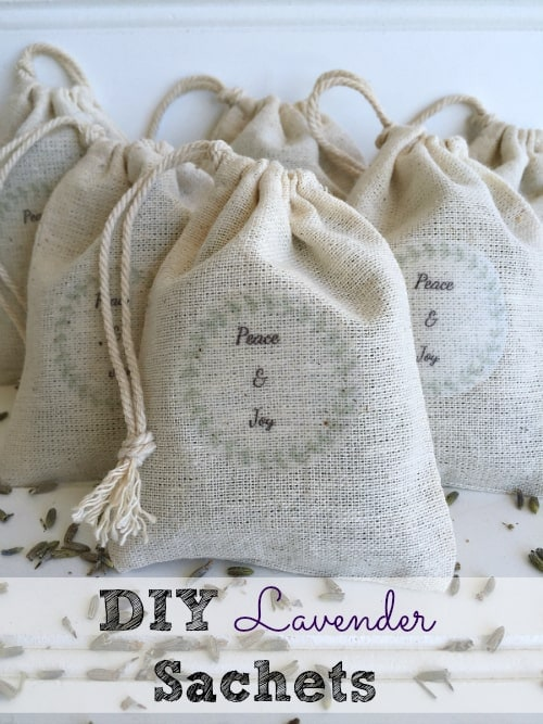 Homemade Christmas Gifts: DIY Lavender Sachets