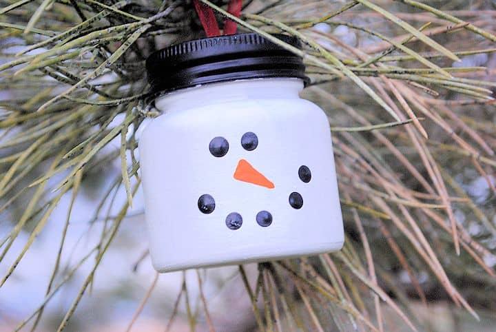 Christmas Decor Ideas - Easy Snowman Craft