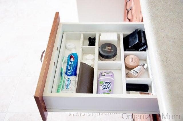The Best Kitchen Organization Ideas - organize those drawers!