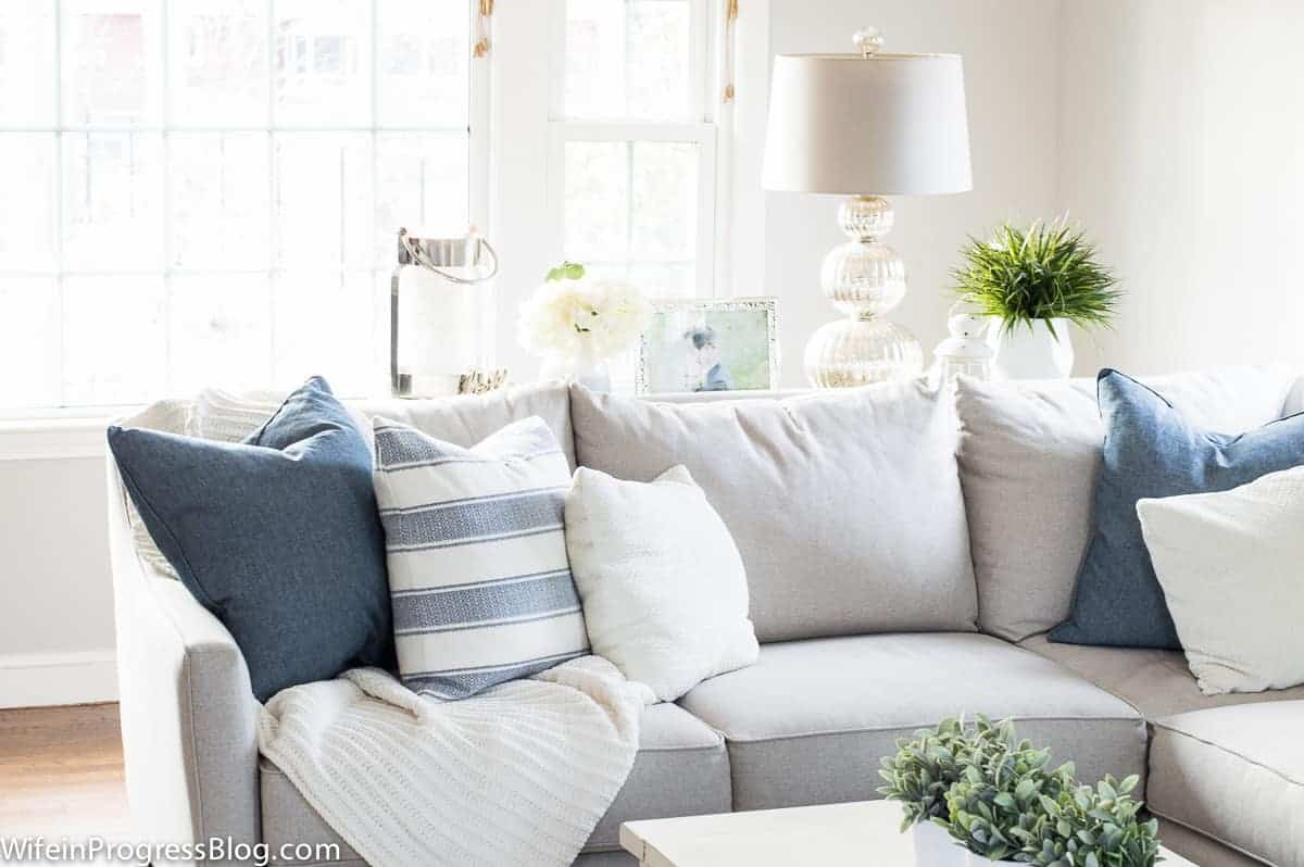 Living Room Decor During The Winter