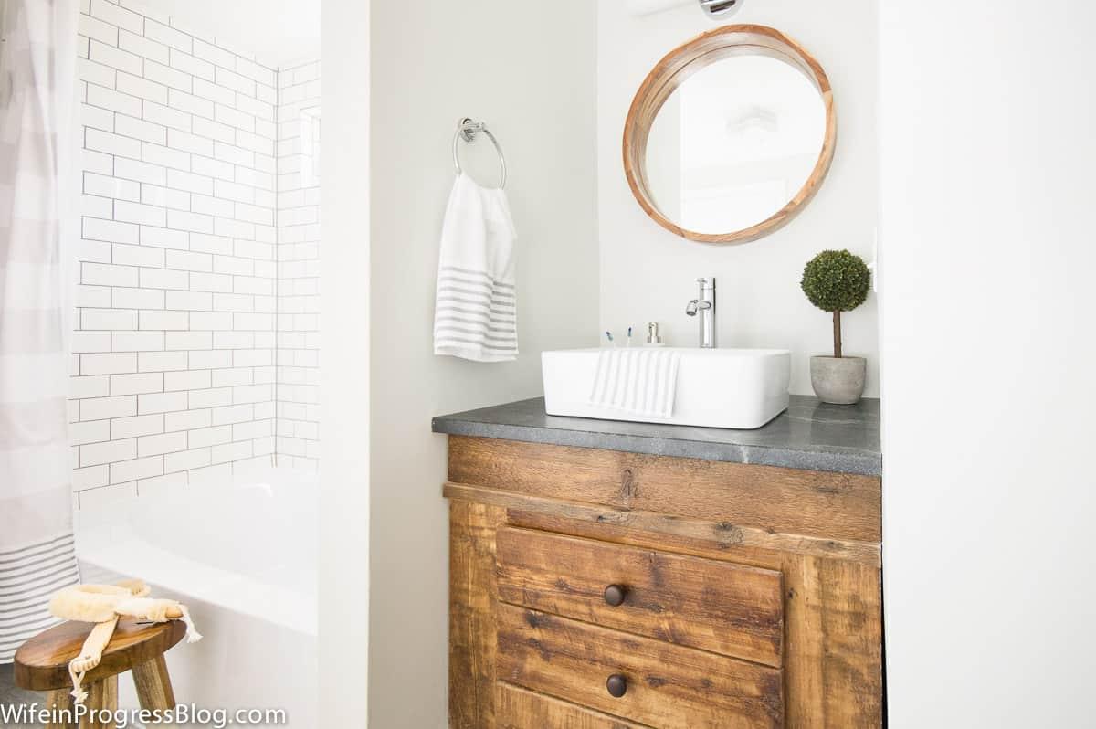 Modern farmhouse bathroom subwaytile reclaimed wood vanity 27 wife modern farmhouse bathroom subwaytile reclaimed wood vanity 27 dailygadgetfo Images