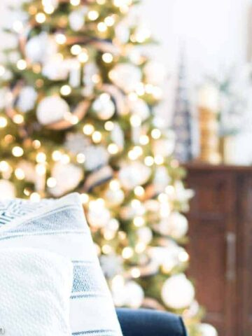 Christmas ideas for the home - navy and white Christmas decor