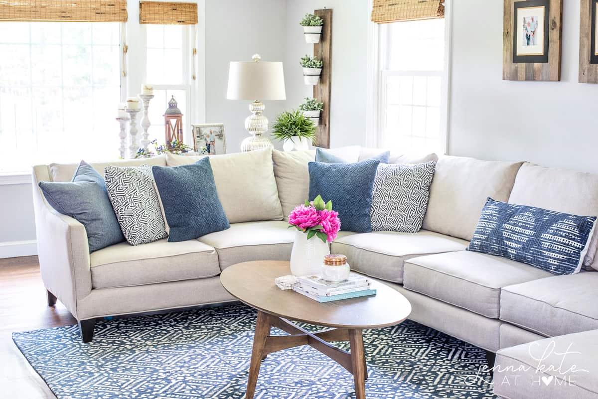 Navy blue & gray walls living room ideas