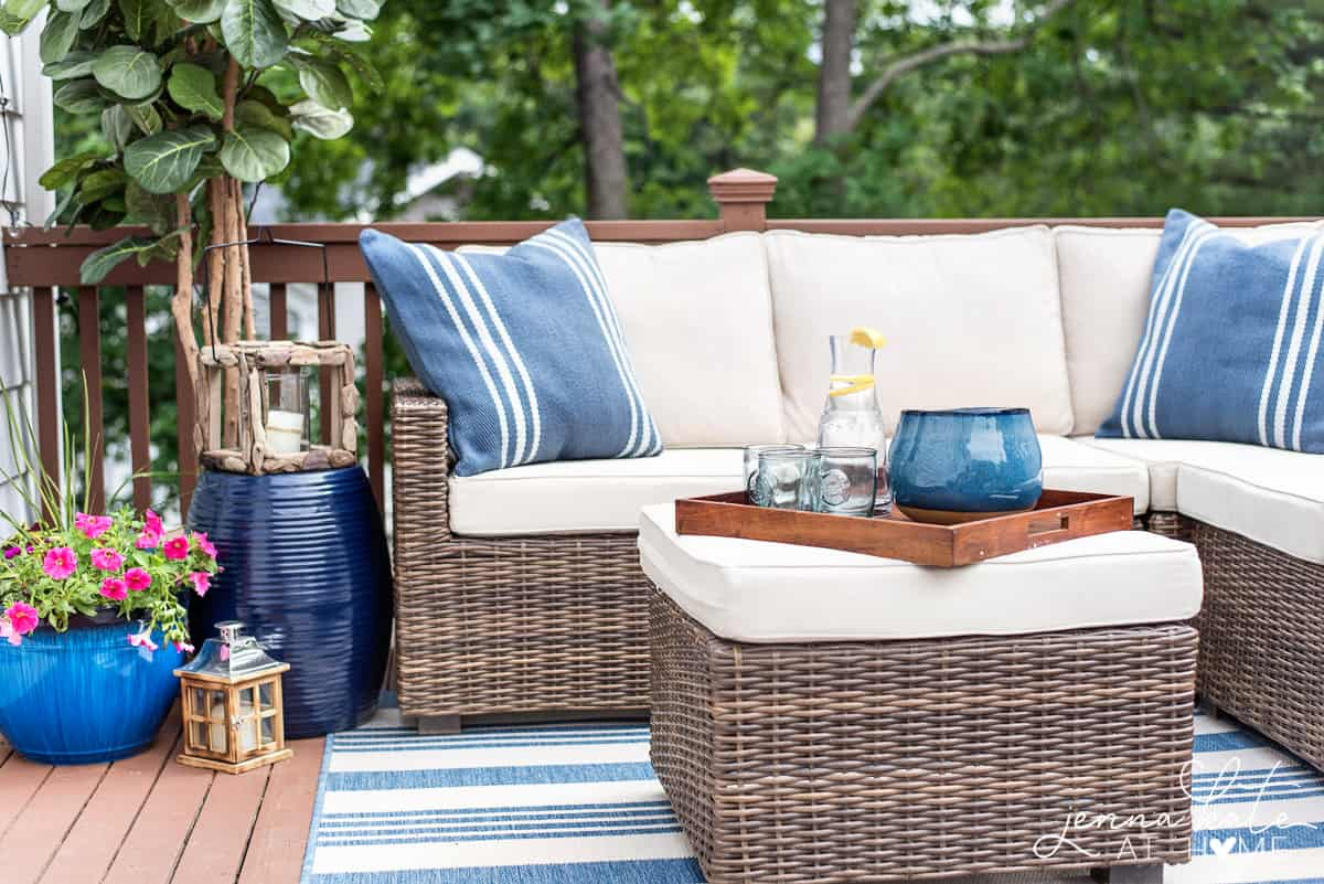 Stupendous Decorating Ideas For A Small Deck Tips For Creating A Andrewgaddart Wooden Chair Designs For Living Room Andrewgaddartcom