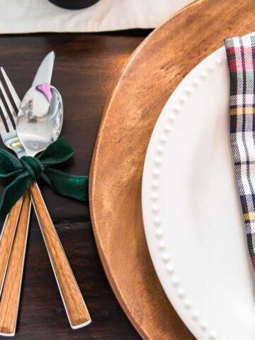 A modern take on a traditional Christmas table setting