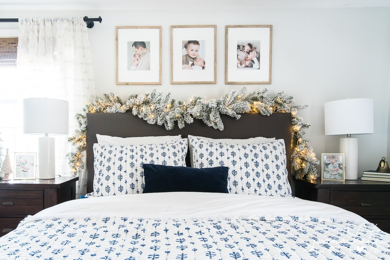 simple Christmas bedroom decor ideas
