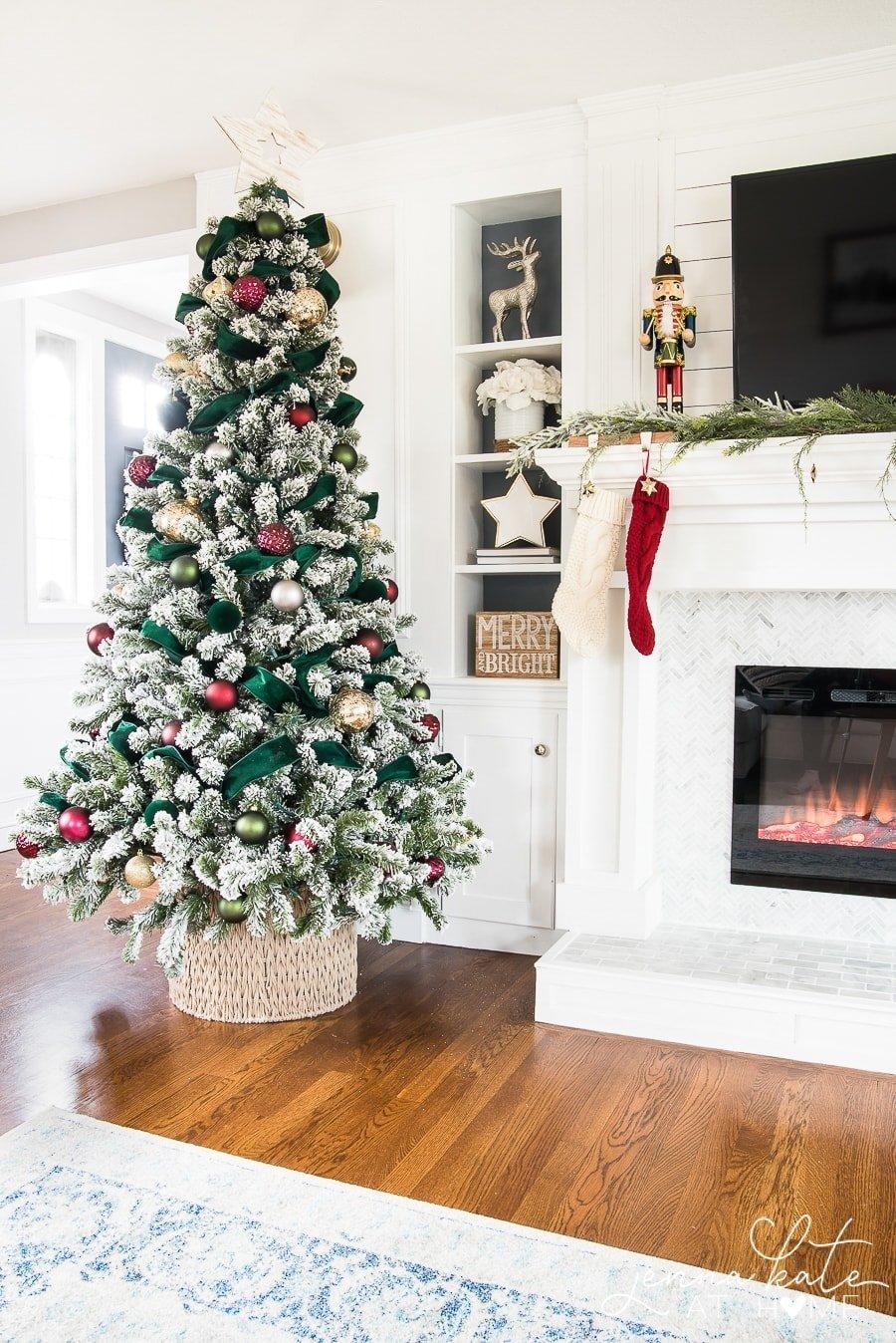Easy and Elegant Christmas Decor - Jenna Kate at Home