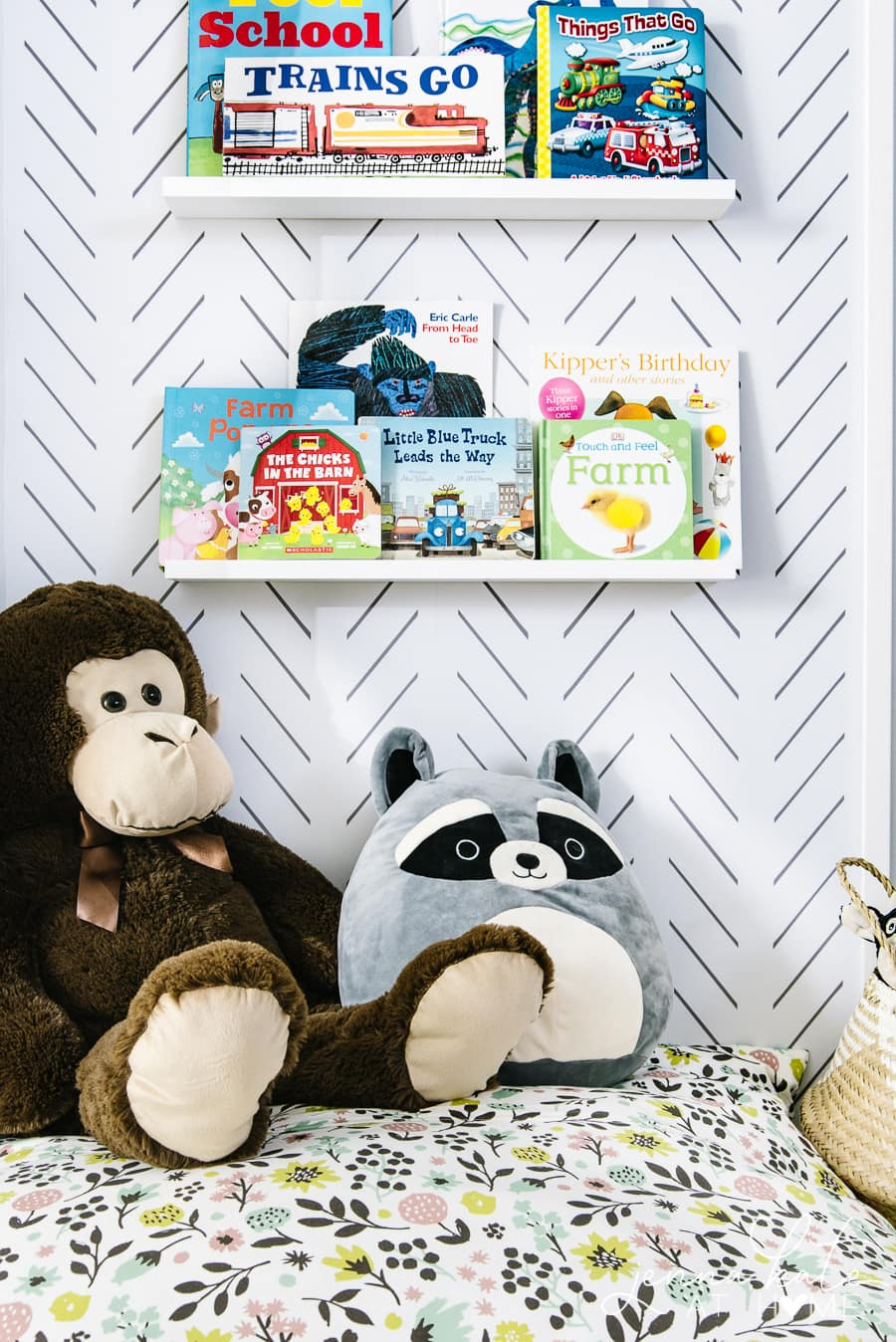 How to make a simple toddler reading nook