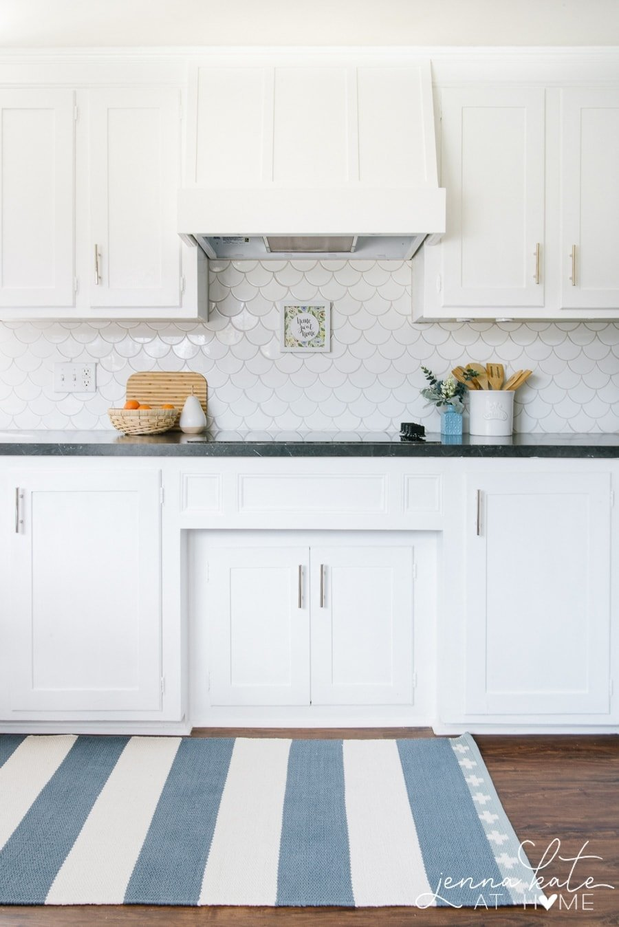 Extra White kitchen cabinets