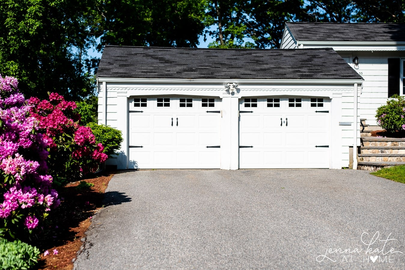 easy garage door makeover with magnetic hardware