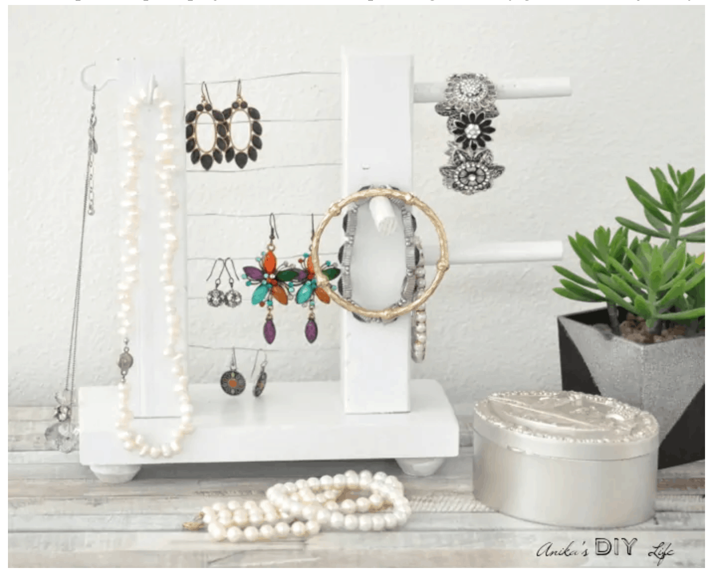 Ideas to store jewelry