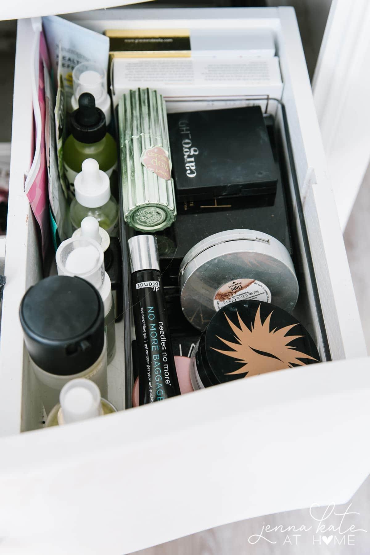 Bathroom drawer organizers