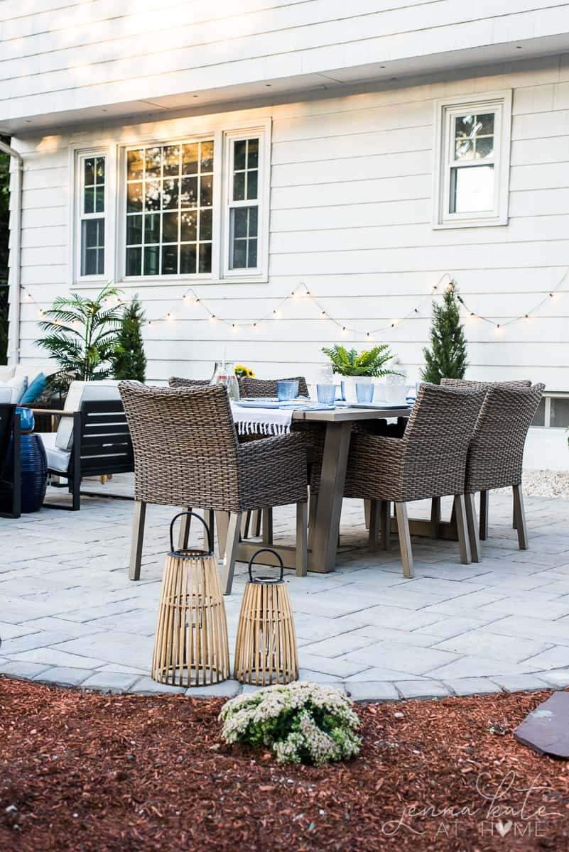 backyard makeover before and after with the prettiest patio decor!