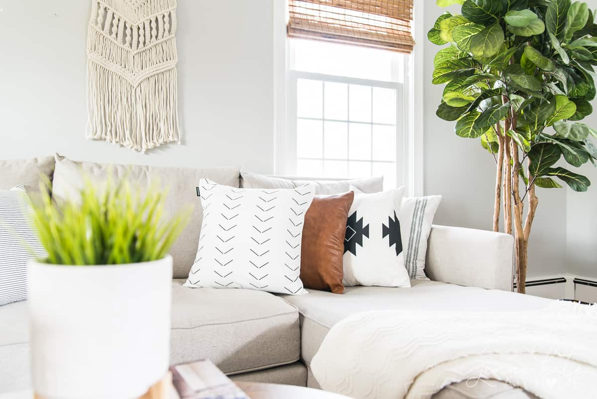 How to get the boho chic style in your living room