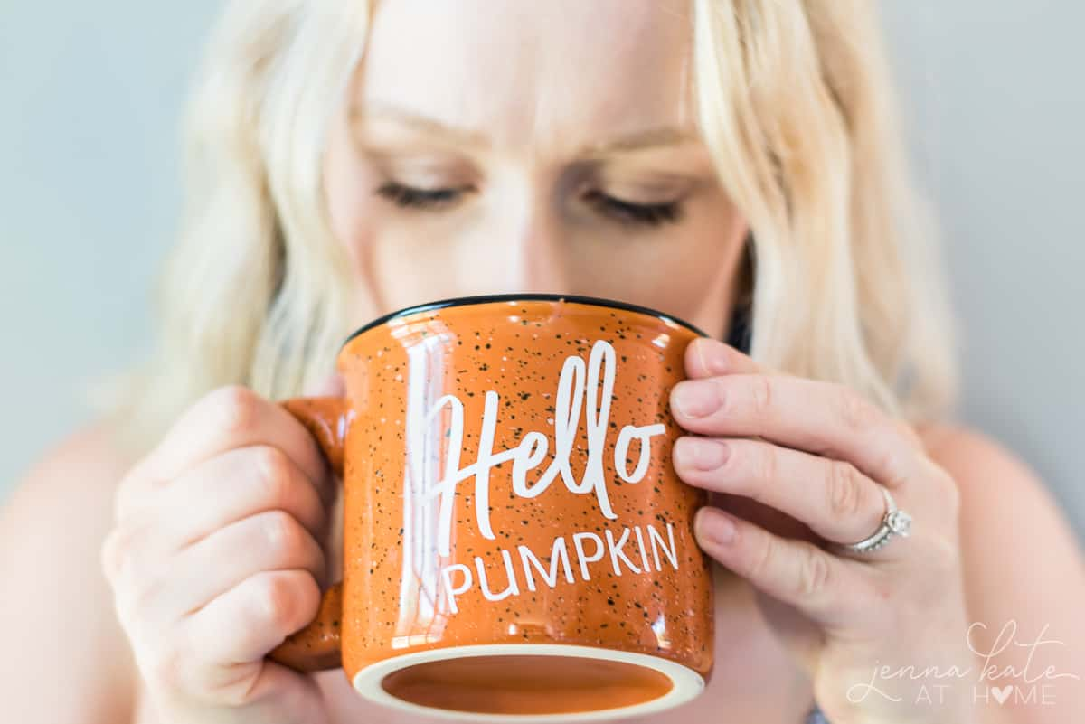 How to make a personalized campfire mug for fall