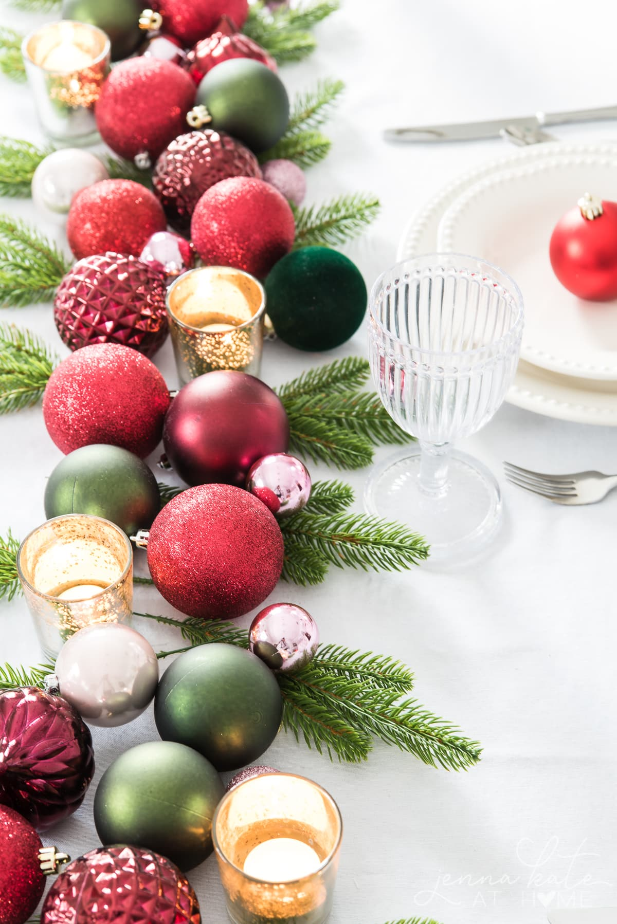 Christmas ornaments on the table make a perfect last minute table setting