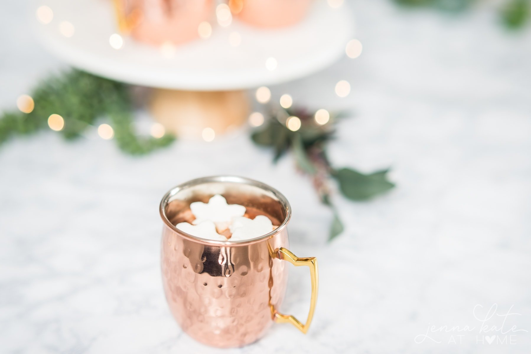 Homemade hot chocolate with only 3 ingredients and no cocoa powder