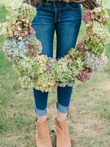 diy hydrangea flower wreath