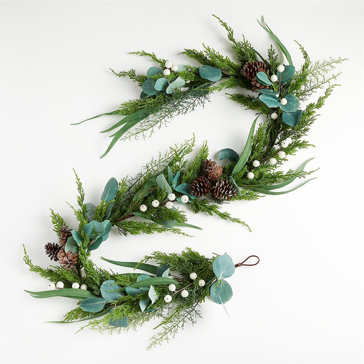 Cedar and white berry garland