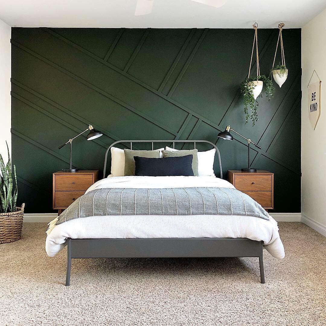 Benjamin Moore dark green bedroom walls